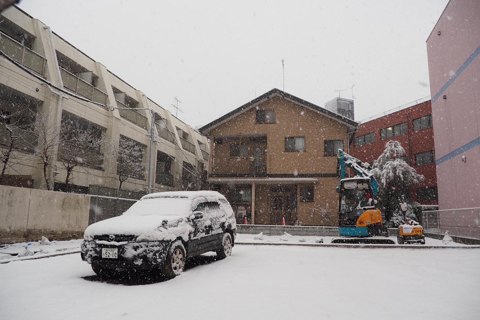 大雪!年始回り途中断念_a0271402_21121525.jpg