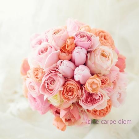 クラッチブーケ ピンクのチューリップをアクセントに 帝国ホテル様へ リストレットと一緒に_a0042928_027797.jpg