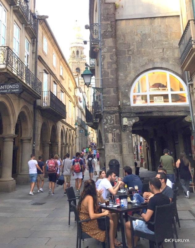 サンティアゴ・デ・コンポステーラ 街歩き その1_a0092659_16253674.jpg