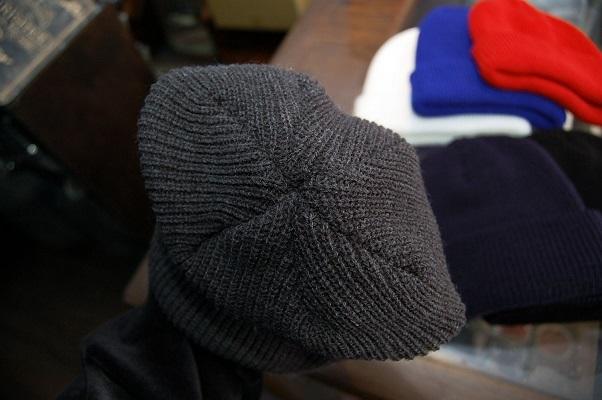 形の良いニット帽が入荷!_e0260759_13305358.jpg