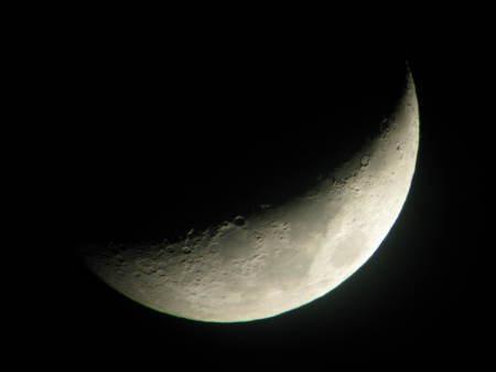 明日は皆既月食を見よう_e0120896_07413975.jpg