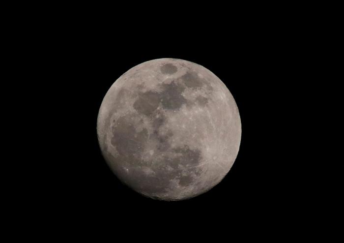 """""""間もなく皆既月食・・・!""""_a0140608_21463013.jpg"""