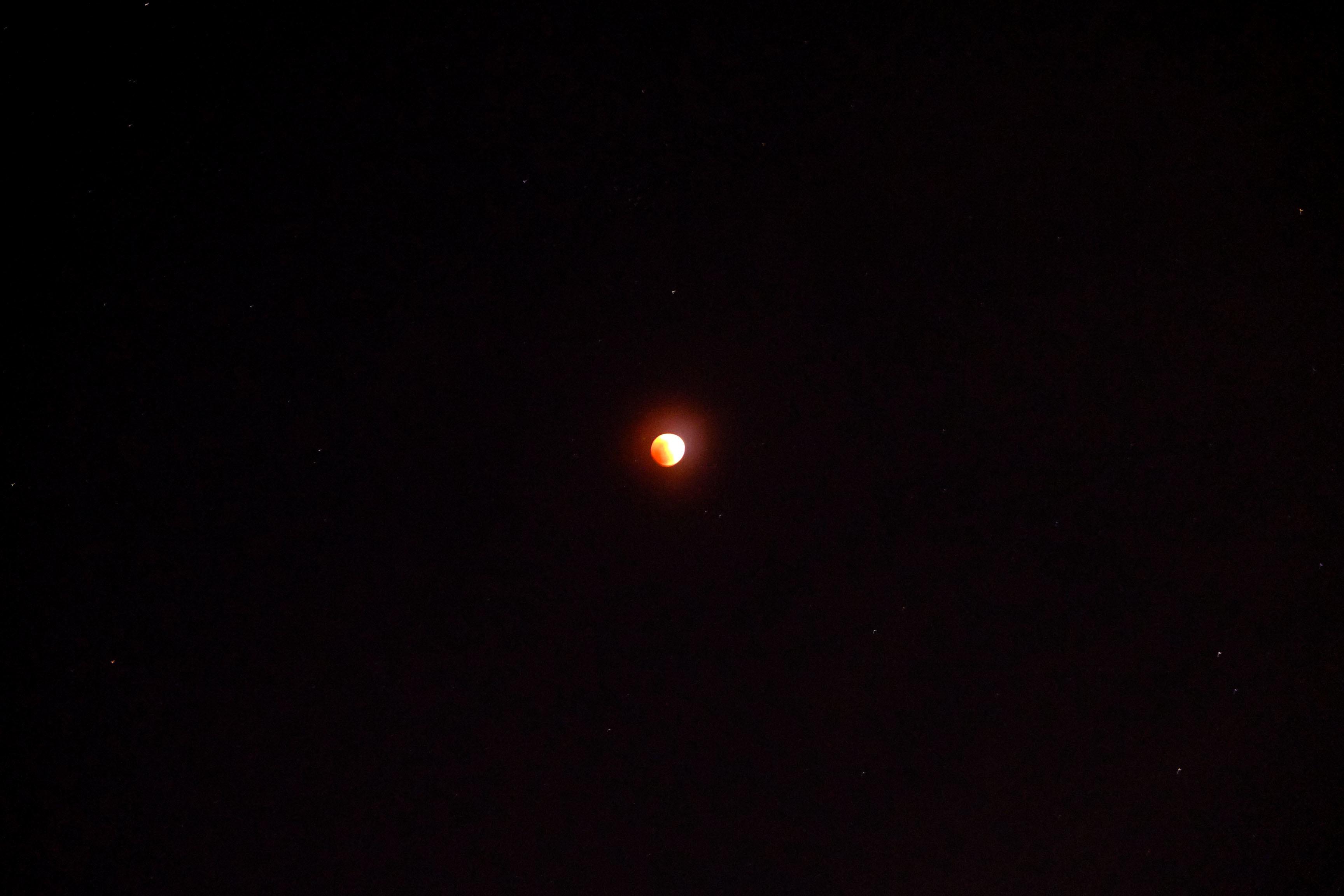 皆既月食_e0239118_22172803.jpg