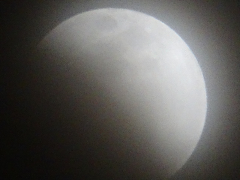 皆既月食が見られました・・・岬町淡輪_c0108460_23072987.jpg