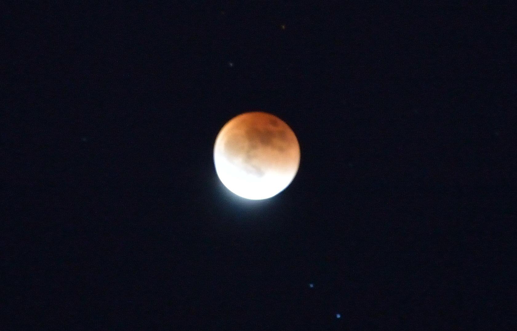 皆既月食_e0213363_23242663.jpg