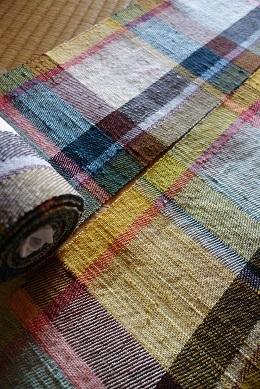 ステンドグラスのような『色硝子』半巾帯も春色です。_f0177373_19312859.jpg
