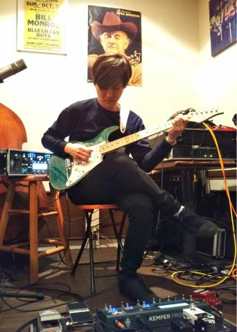 1月27日(土)ソロギターリストの集い_d0225380_00383603.jpg