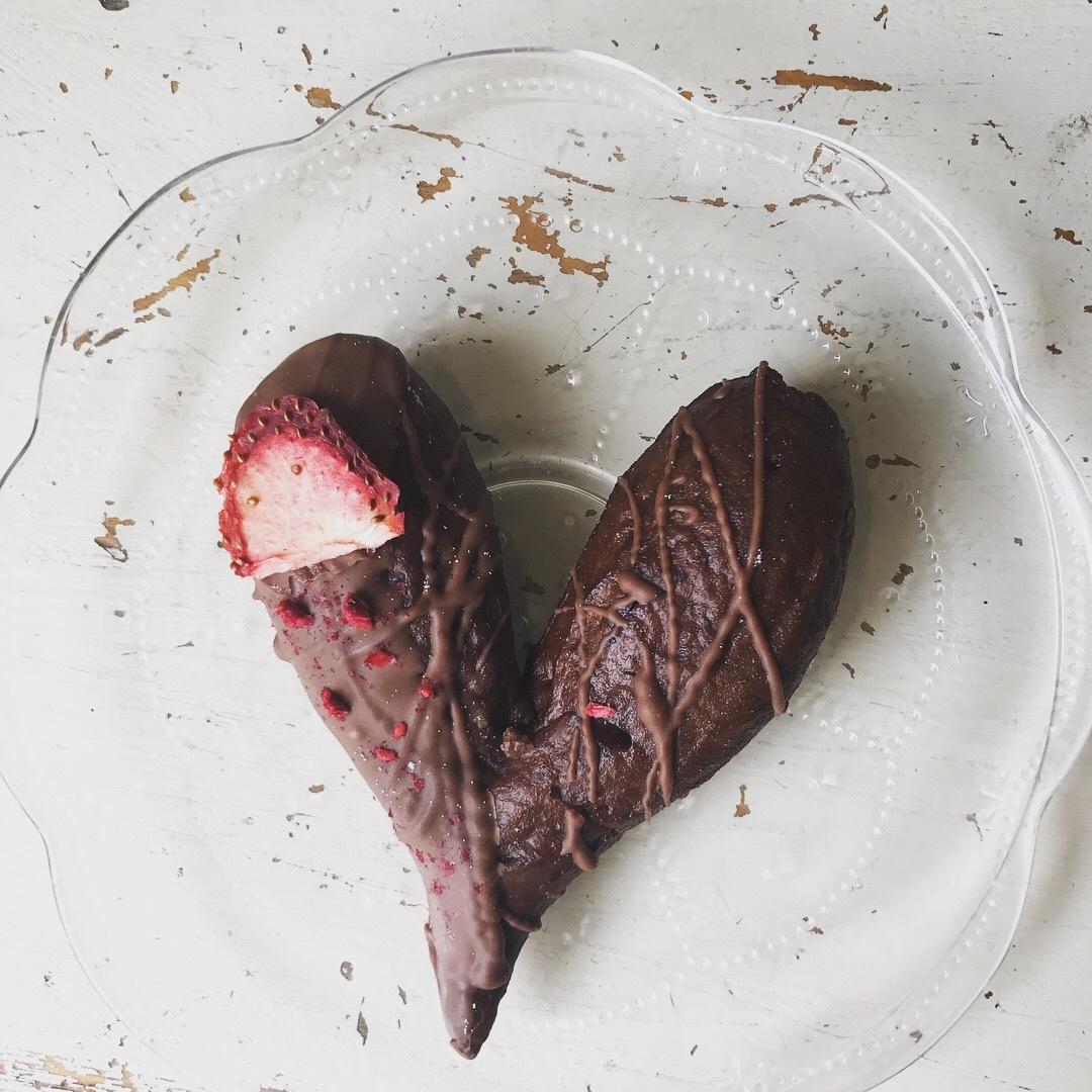 Valentine ♡ 4days  ショーケースのドーナツが全部ハート型に変身します!! _a0221457_19545936.jpg