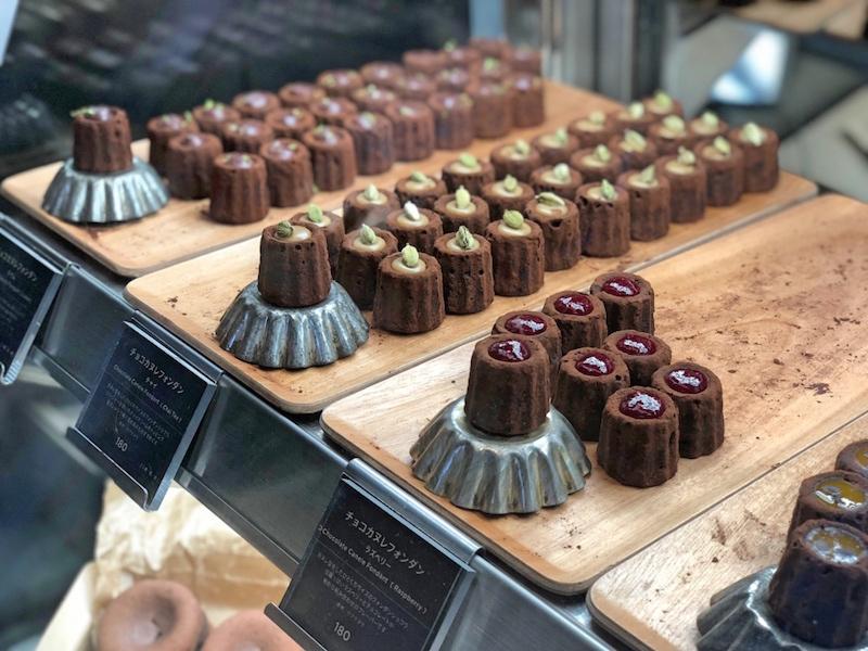 HI-CACAO chocolate stand_e0360552_17180284.jpg