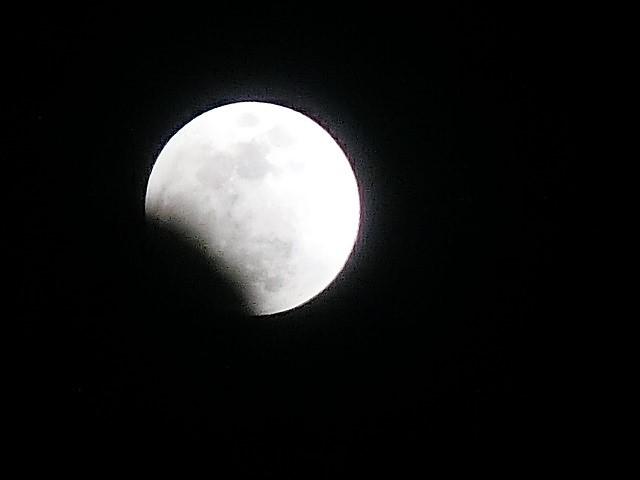 皆既日食の写真_d0181492_22421065.jpg