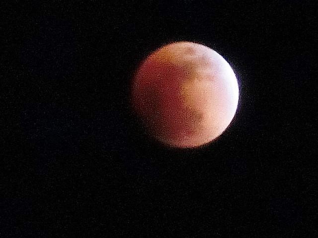 皆既日食の写真_d0181492_22425210.jpg
