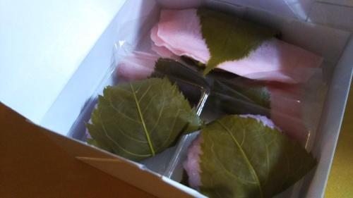 桜餅_f0157414_19050567.jpg