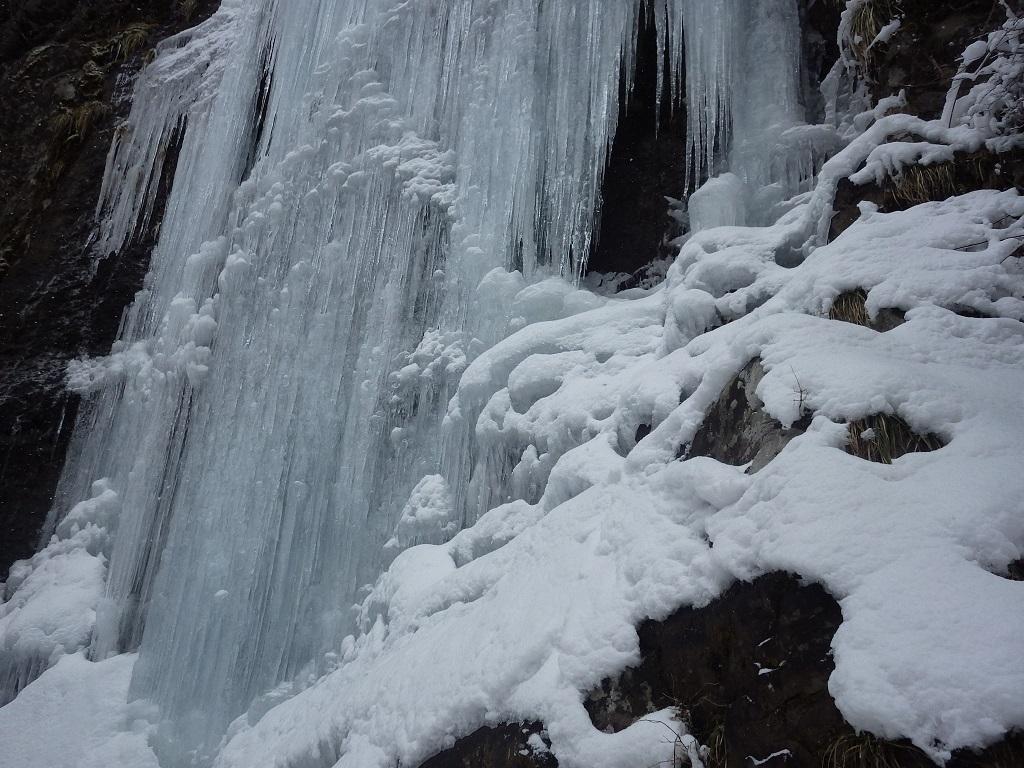 四王寺の滝と行者の滝_e0164643_09554689.jpg