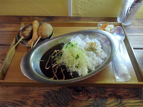 牧志「食堂ぬーじボンボンZ 黒カレー部」へ行く。_f0232060_162984.jpg