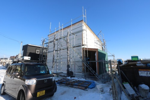 秋田市新屋の家:断熱材施工_e0054299_13385839.jpg