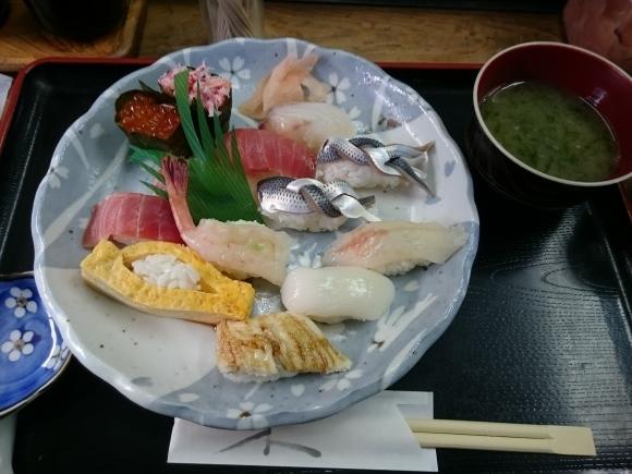 2/5夜勤明け 市場寿司たか 名物にぎり¥1,000 + 小肌2貫¥300 @八王子卸売センター_b0042308_14293710.jpg