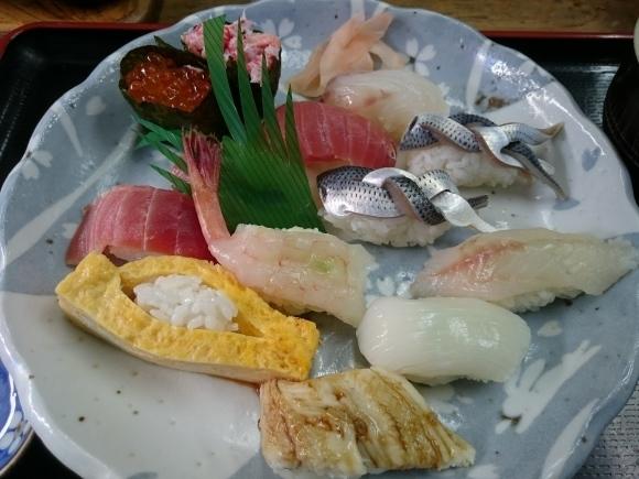 2/5夜勤明け 市場寿司たか 名物にぎり¥1,000 + 小肌2貫¥300 @八王子卸売センター_b0042308_14293874.jpg