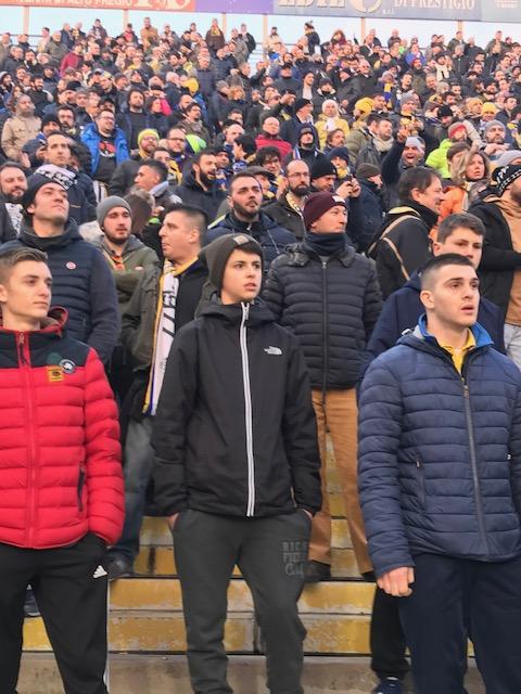 サッカー、パルマ F.C.対ノヴァーラの試合_f0172744_23282713.jpg
