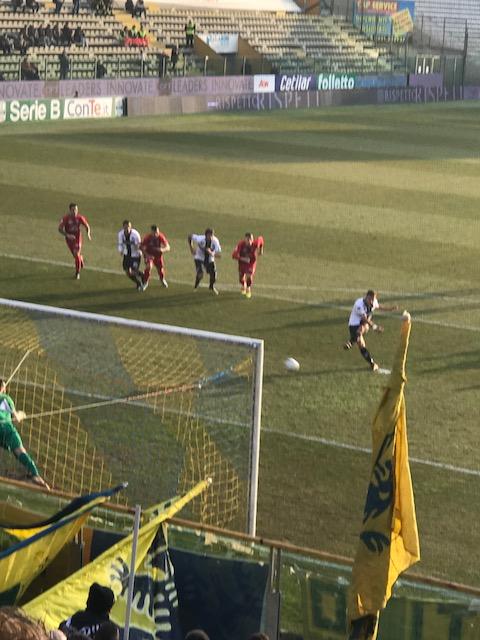 サッカー、パルマ F.C.対ノヴァーラの試合_f0172744_2328330.jpg