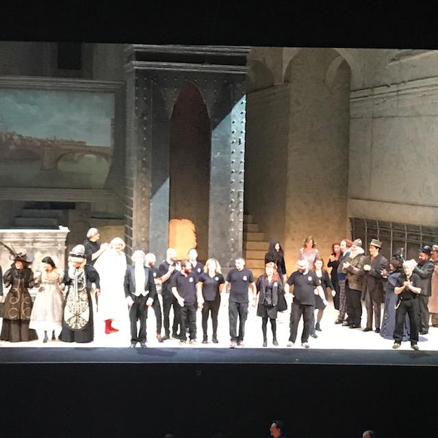 モデナのパヴァロッティ歌劇場にて。_f0172744_5302015.jpg