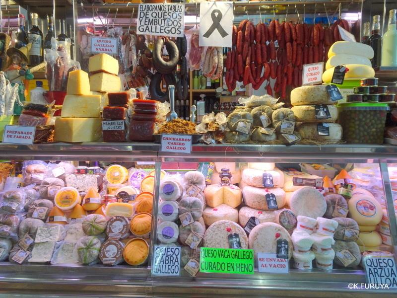 サンティアゴ街歩き その4 食品市場_a0092659_23291749.jpg