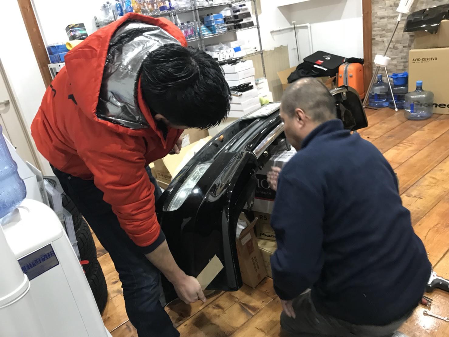 2月7日(水)トミーベース カスタムブログ☆ランクル100 クラウン ヴェルファイア ダッヂ LS460 フーガ  納車の為準備中☆_b0127002_11212631.jpg