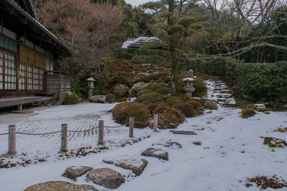 金福寺の雪景色_e0363038_13411081.jpg