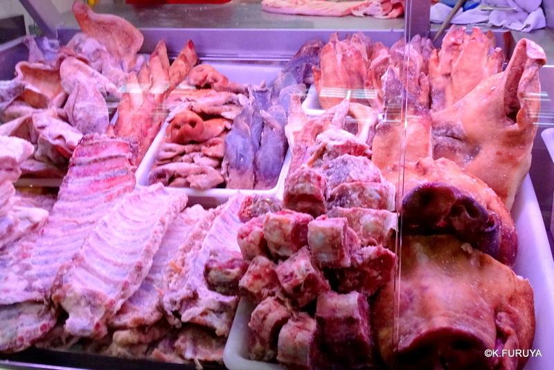 サンティアゴ街歩き その4 食品市場_a0092659_00054535.jpg