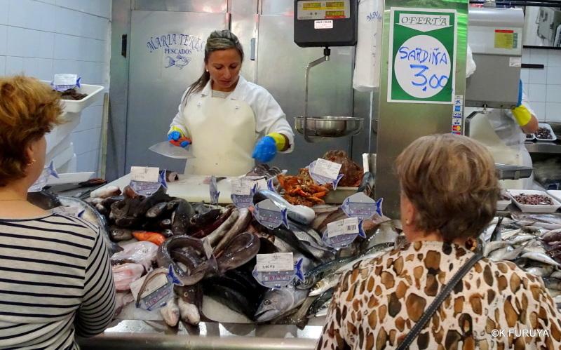 サンティアゴ街歩き その4 食品市場_a0092659_00061940.jpg