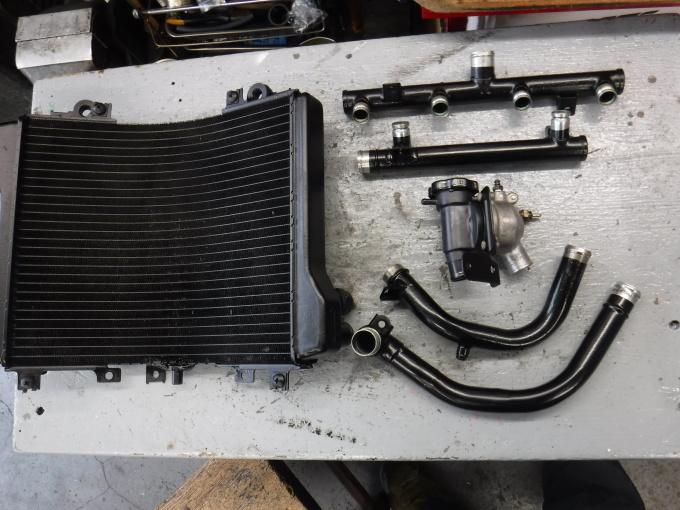 ZZR1100D ・・・冷却水漏れ。その7_a0163159_00242497.jpg