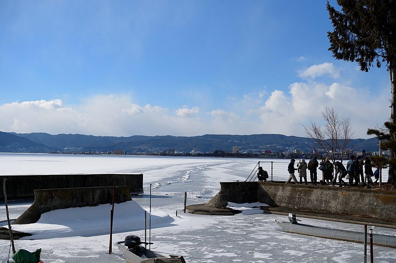 諏訪湖の御神渡り_c0330563_21502053.jpg
