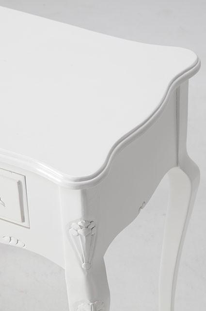 ホワイトカラーのお洒落な家具ご紹介~❤_f0029571_02351810.jpg