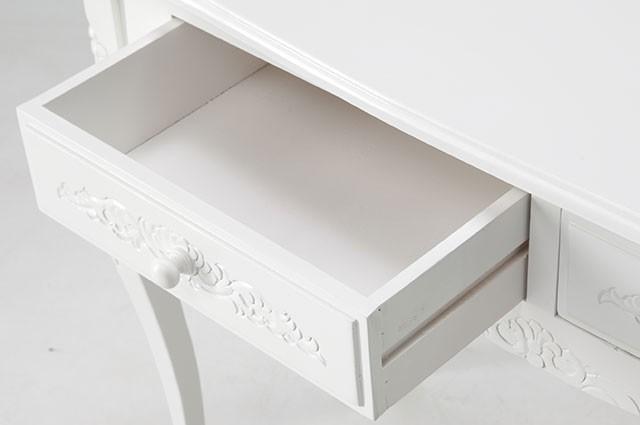ホワイトカラーのお洒落な家具ご紹介~❤_f0029571_02362067.jpg
