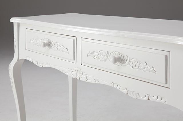 ホワイトカラーのお洒落な家具ご紹介~❤_f0029571_02372743.jpg