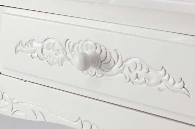 ホワイトカラーのお洒落な家具ご紹介~❤_f0029571_02375922.jpg