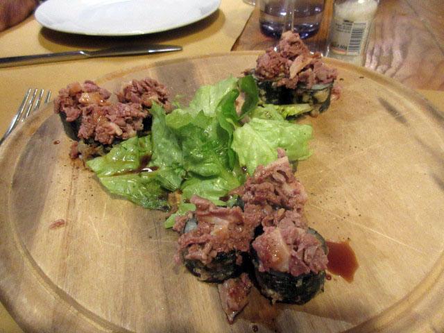 トスカーナでは当たり前だけど。。。意外に食べれないイタリア人が多いこれ!_c0179785_6245359.jpg
