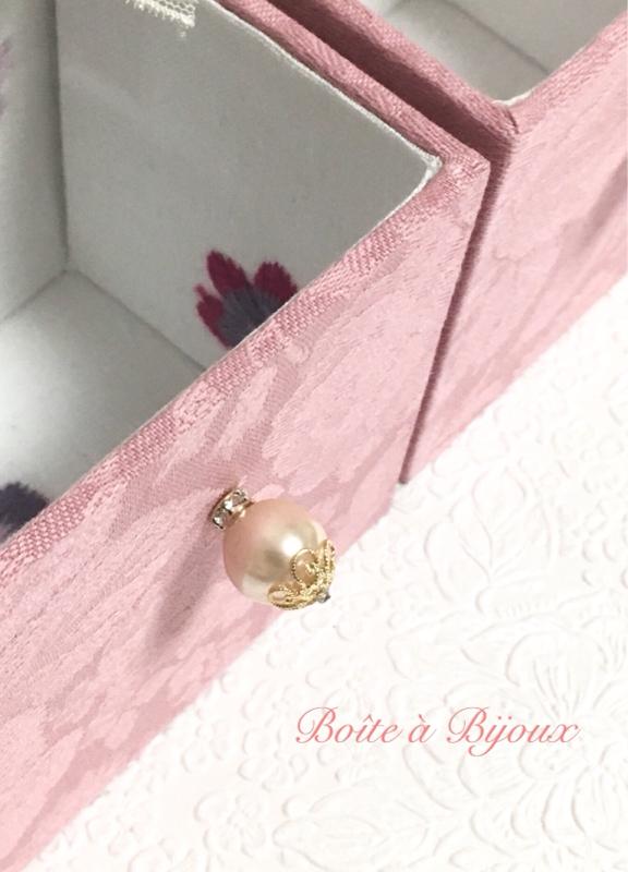 リボン刺繍の置き時計_d0286255_19323302.jpg