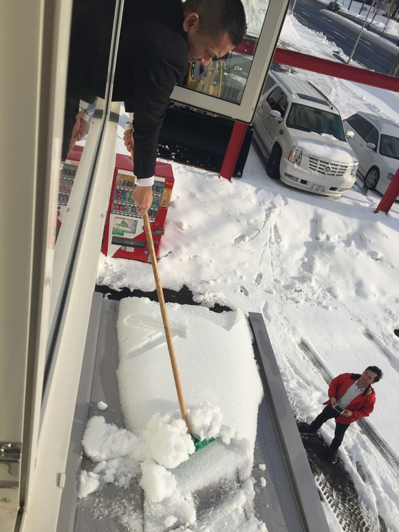 2月11日 日曜日のひとログヽ( 'ω' )ノ 本日、WさまLX570・Yさまハイエース納車!!_b0127002_18215010.jpg