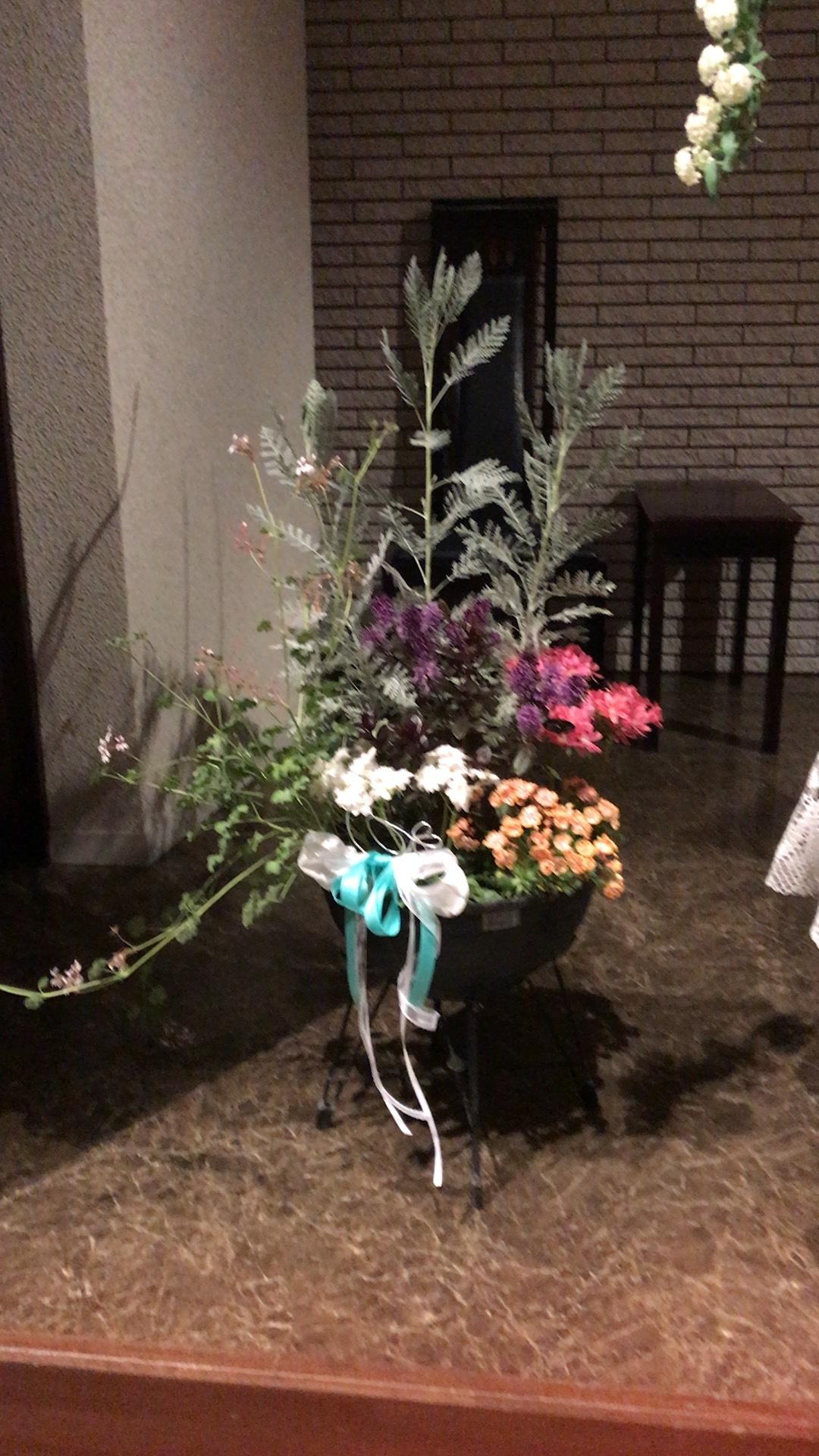 今月のお花は、あるものでやっつけた・・_c0335145_16284924.jpeg
