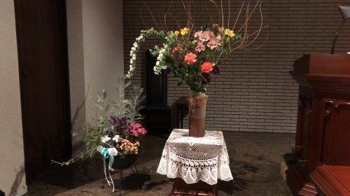 今月のお花は、あるものでやっつけた・・_c0335145_16302740.jpeg