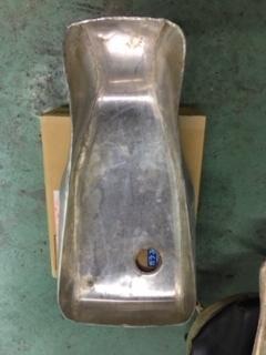 ducati TT1への道14 1型タンクがTT1ロングタンクに!「製作工程」_a0051924_18312300.jpg