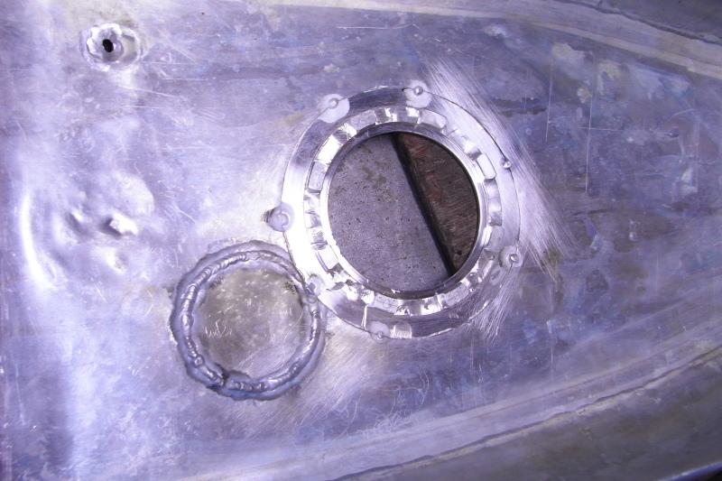 ducati TT1への道14 1型タンクがTT1ロングタンクに!「製作工程」_a0051924_19114836.jpg