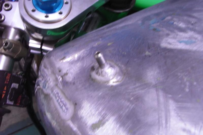 ducati TT1への道14 1型タンクがTT1ロングタンクに!「製作工程」_a0051924_19162011.jpg