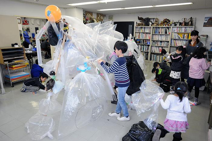 児童画クラス合作 怪獣を作ろう!_b0212226_21245203.jpg