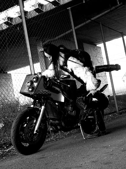 5COLORS「君はなんでそのバイクに乗ってるの?」#127_f0203027_16451707.jpg