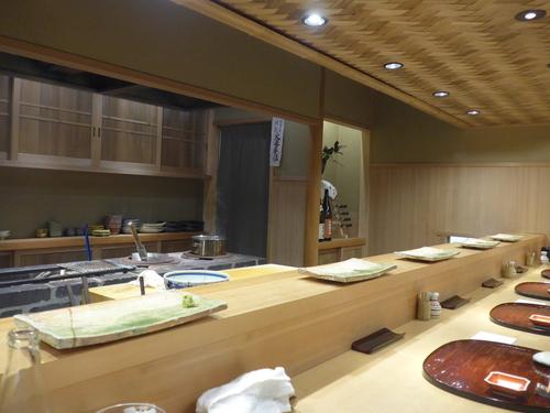 東麻布「鮨 天本」へ行く。_f0232060_1128098.jpg