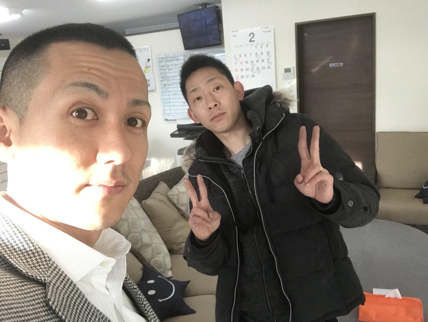 2月13日 火曜日のひとログ(´▽`) エスカレード♬レンタカーあります!!購入も可♬TOMMY_b0127002_17335885.jpg