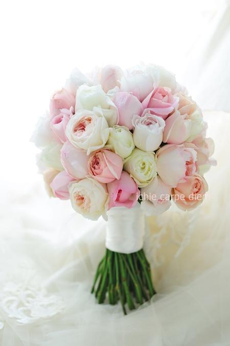 クラッチブーケ ザ・リッツカールトン東京さまへ ほのかなピンクのバラだけで_a0042928_10423754.jpg