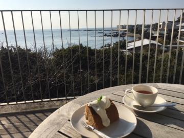 葉山の海、絶景テラスのミュージアムレストラン_c0339296_07100613.jpg