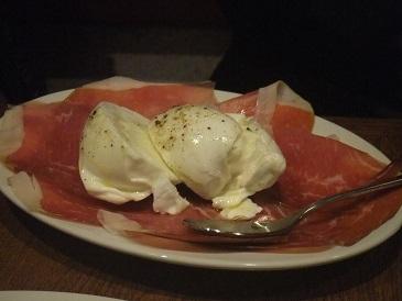 大胆盛り付けイタリアン「トラットリア ダ オクムラ」美味しい。_f0362073_07254364.jpg